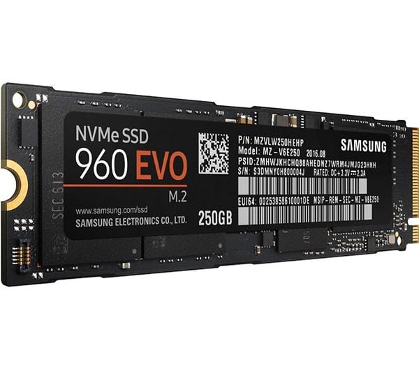 """<span class=""""tagtitre"""">Bon Plan - </span>SSD Samsung 960 M.2 NVMe de 250 Go à 109€, 500 Go à 189€"""