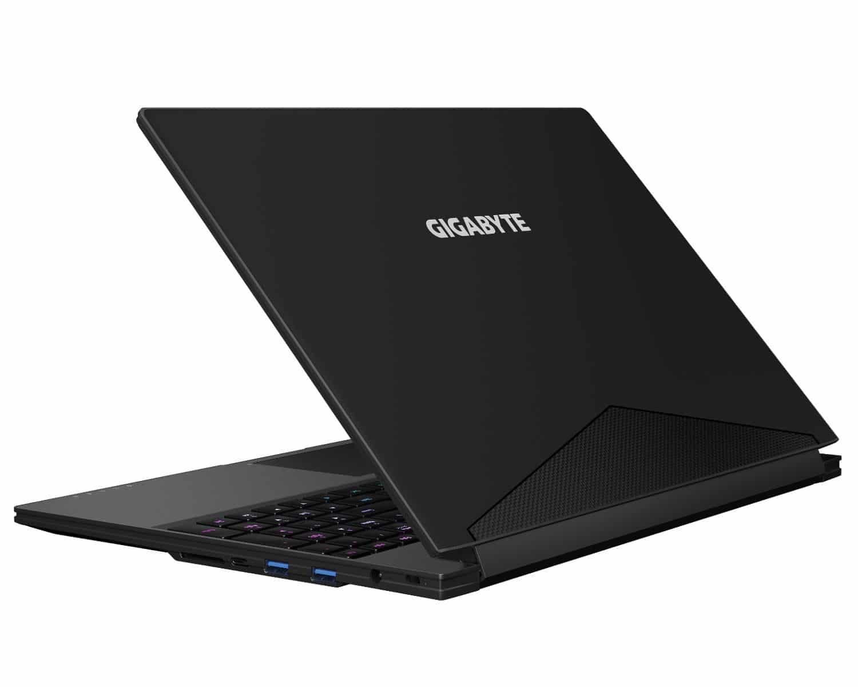 "Gigabyte Aero 15X V8, Ultrabook 15"" IPS Coffee Hexa SSD 512 GTX 1070 2599€"