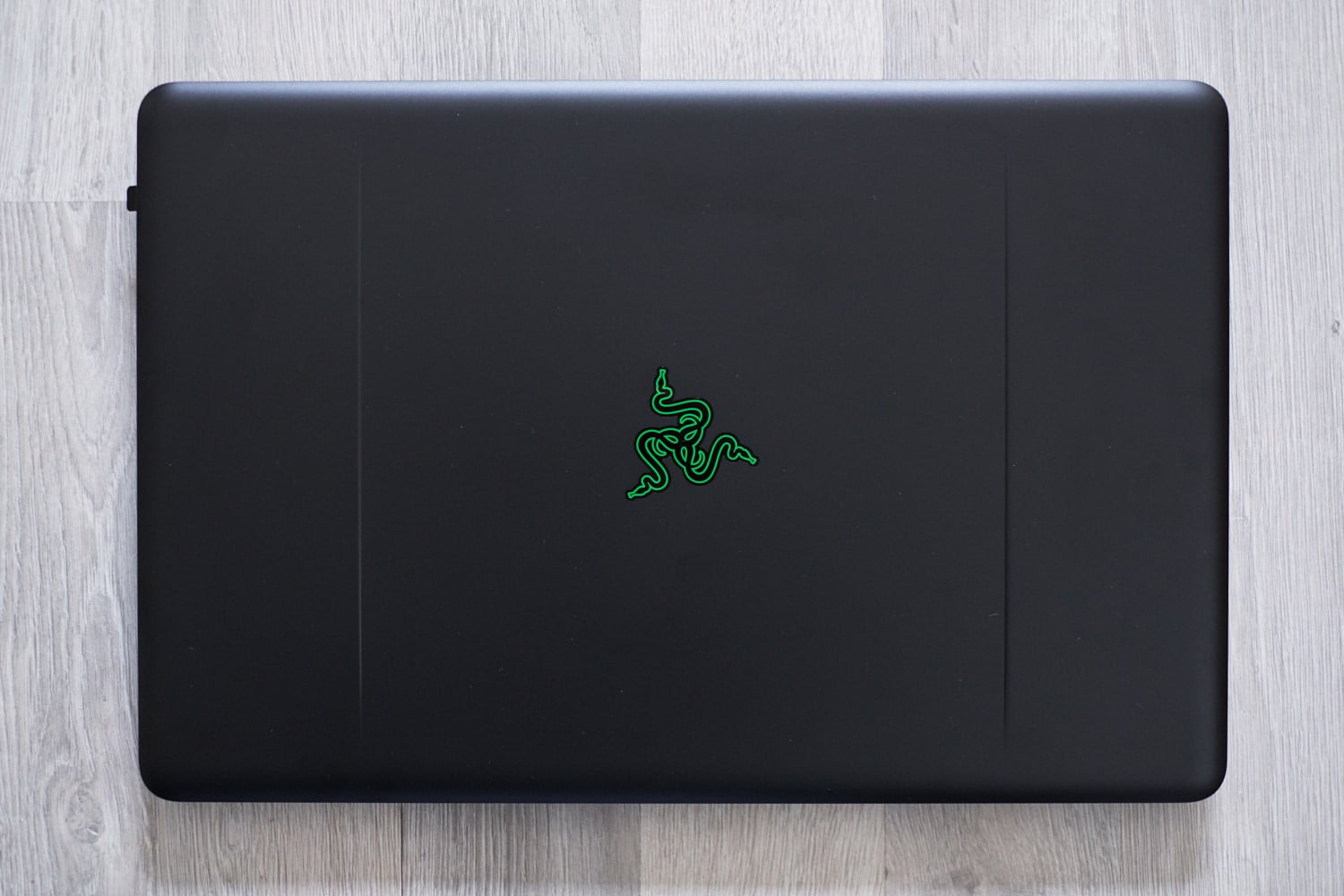 test razer blade pro ordinateur portable 17 pouces pour ls gamer mais pas seulement. Black Bedroom Furniture Sets. Home Design Ideas