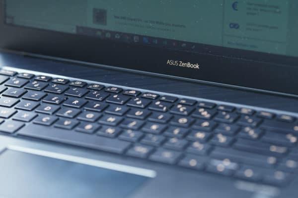 Test Asus ZenBook Pro 15 UX580 Clavier