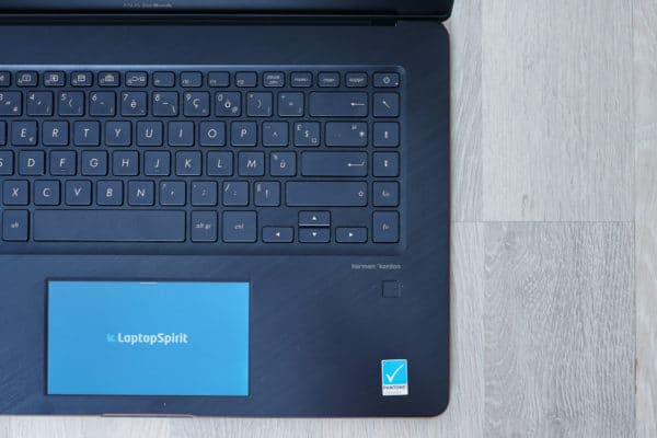 Test Asus ZenBook Pro 15 UX580 lecteur empreinte digitale