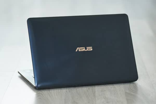 Test Asus ZenBook Pro 15 UX580 Chassis