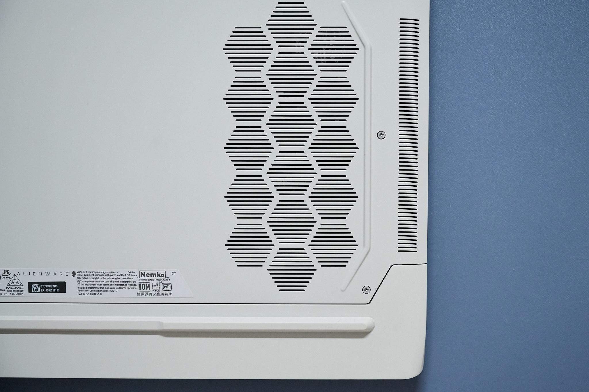 Test Alienware x17 r1(RTX 3080)