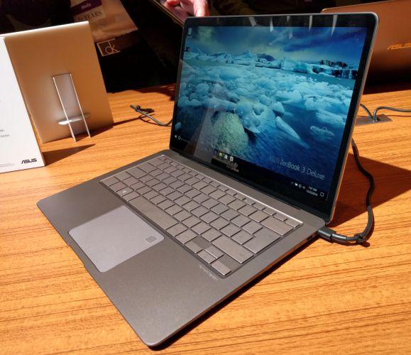 """<span class=""""tagtitre"""">CES 2017 - </span>Asus ZenBook 3 Deluxe, Ultrabook 14 pouces dans châssis 13 pouces"""