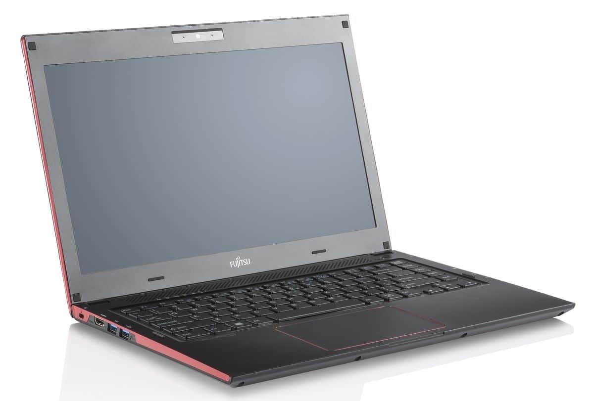"<span class=""tagtitre"">IFA 2013 - </span>Fujitsu LifeBook U554 et U574, Ultrabooks 13.3"" mat : Haswell, SSD, tactile, 11h"