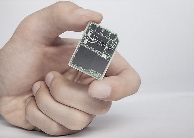 """<span class=""""tagtitre"""">CES 2014 - </span>Intel présente Edison, un mini-PC de la taille d'une carte SD"""