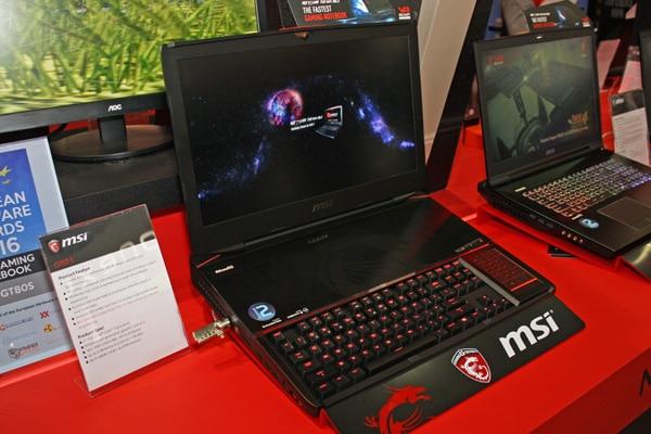 MSI GT83 S Titan SLI, PC portable 18 pouces 2 GeForce GTX 1080, Thunderbolt