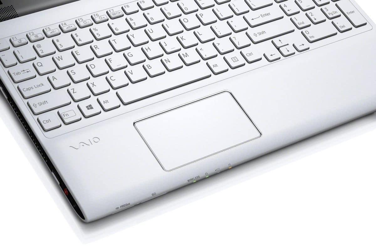 "Sony Vaio SVE1513B1E/W, 15.5"" mat à 400€ : Pentium Dual Core Ivy Bridge, 500 Go, 4h30"