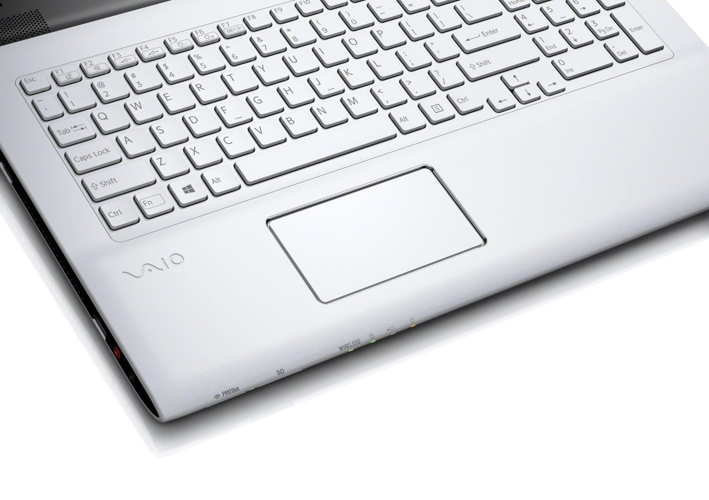 "<span class=""tagtitre"">Promo 429€ - </span>Sony Vaio SVE1713A6E/W à 549 euros, 17.3"" avec Pentium Dual Core Ivy Bridge, 500 Go"