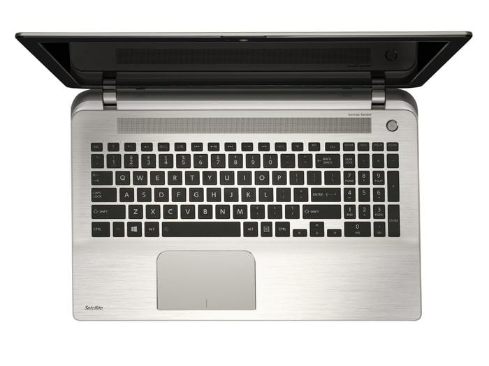 """<span class=""""tagtitre"""">Promo 639€ - </span>Toshiba Satellite S50-B-13M, 15 pouces avec Core i7, Radeon M260, 8 Go RAM et clavier rétro à 699€"""